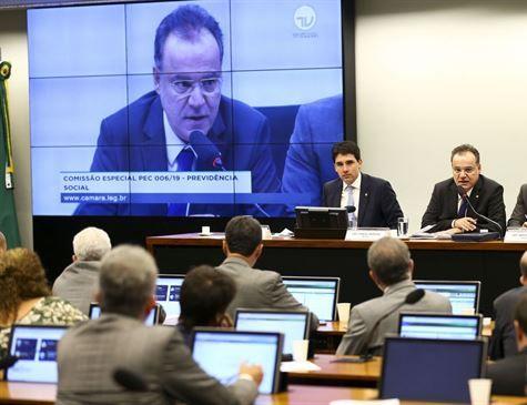 Discussões da reforma da Previdência seguem em meio à semana de São João