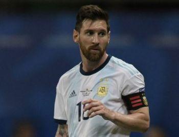 Com a corda no pescoço, Argentina pega o Catar