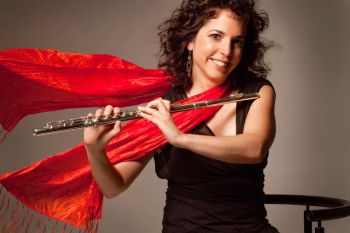 Flautista americana se apresenta no projeto Quinta Instrumental no dia 25