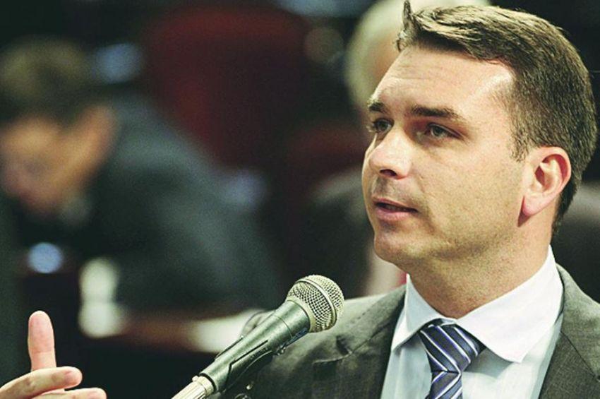 Toffoli suspende inquérito com dados do Coaf a pedido da defesa de Flávio Bolsonaro