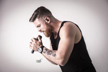 Léo Freitas abre a nova temporada do Viva Música