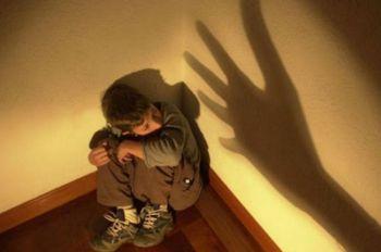 Mãe é presa por crime de tortura contra filho de 9 meses