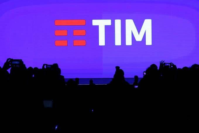 TIM assina termo com a Anatel para expandir serviços