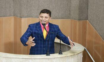 Após expulsão, vereador Palhaço Soneca alega perseguição pelo partido