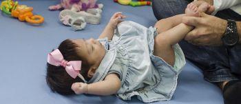 Fisioterapia contribui para o desenvolvimento de bebês prematuros
