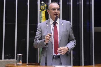 Fábio Henrique denuncia o fechamento da Petrobrás em Sergipe