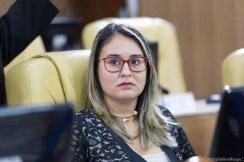 Kitty Lima denuncia e solicita recapeamento de rodovias no interior de Sergipe