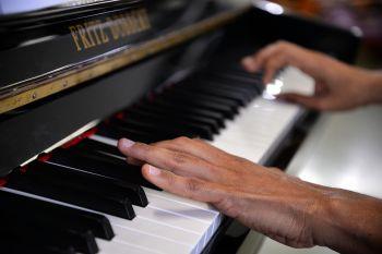 Conservatório de Música traz Quarteto de Trompas da Bahia e promove concerto didático com pianista Hércules Gomes