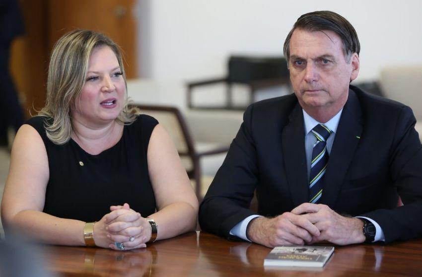 Bolsonaro tira Joice Hasselman da liderança do governo no Congresso