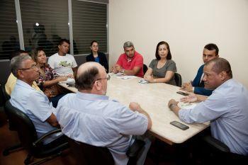 Governo se reúne com colônia de pescadores para discutir impactos das manchas de óleo