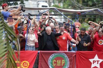 Libertação do ex-presidente Lula domina discursos no Plenário da Câmara