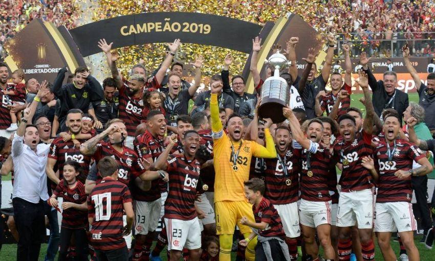 Flamengo se torna primeiro time desde 1963 a ganhar Nacional e Libertadores no mesmo ano
