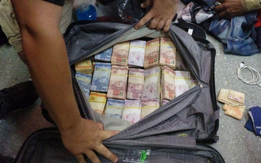 Grupo preso na Bahia ao tentar embarcar com malas de dinheiro para São Paulo levava mais de R$ 760 mil, diz PF