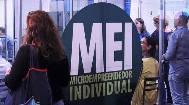Simples Nacional propõe revogar exclusão de profissões do MEI
