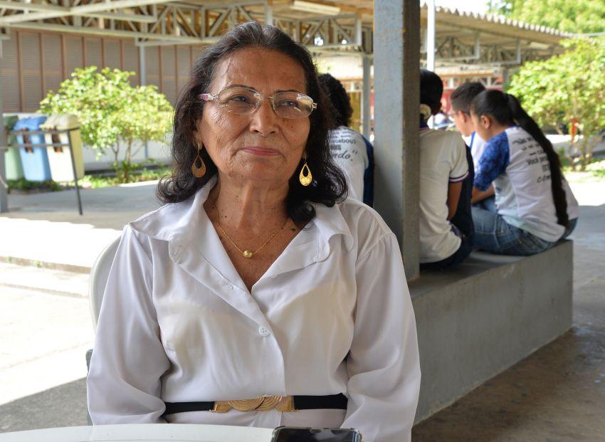 Aos 80 anos de idade, aluna da rede estadual finaliza ensino médio regular