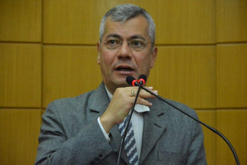 Iran critica PL que amplia número de alunos em sala de aula