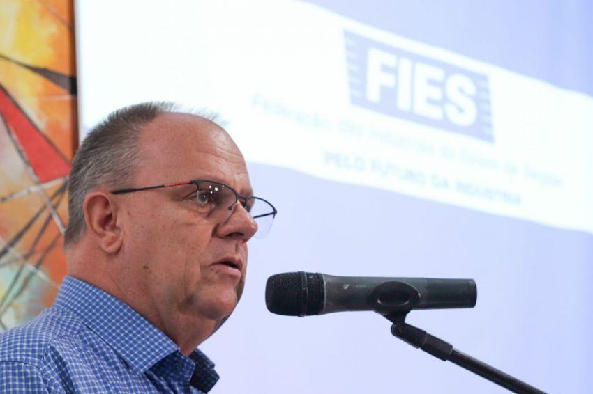 Governador destaca reequilíbrio financeiro e atração de investimentos em almoço com empresários da indústria
