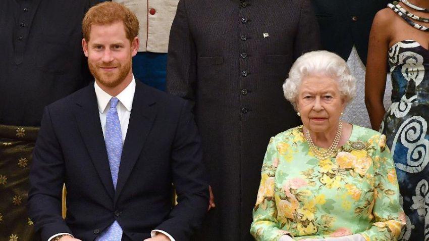 Principe Harry se reunirá com a rainha Elizabeth II após abdicar funções da realeza