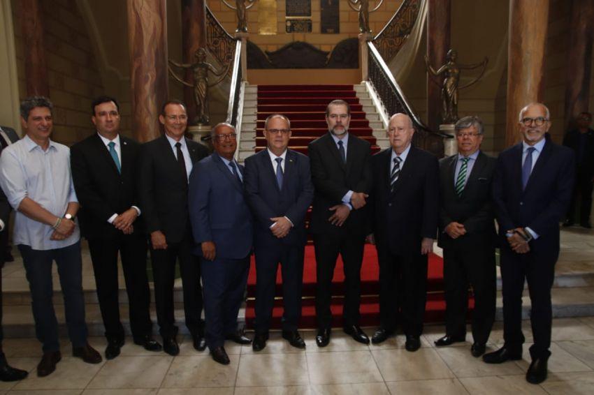 Belivaldo participa de entrega de colar do Mérito Judiciário ao presidente do Supremo Tribunal Federal