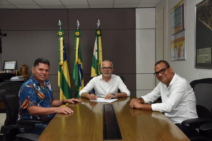 Edvaldo nomeia Luciano Correia na presidência da Funcaju
