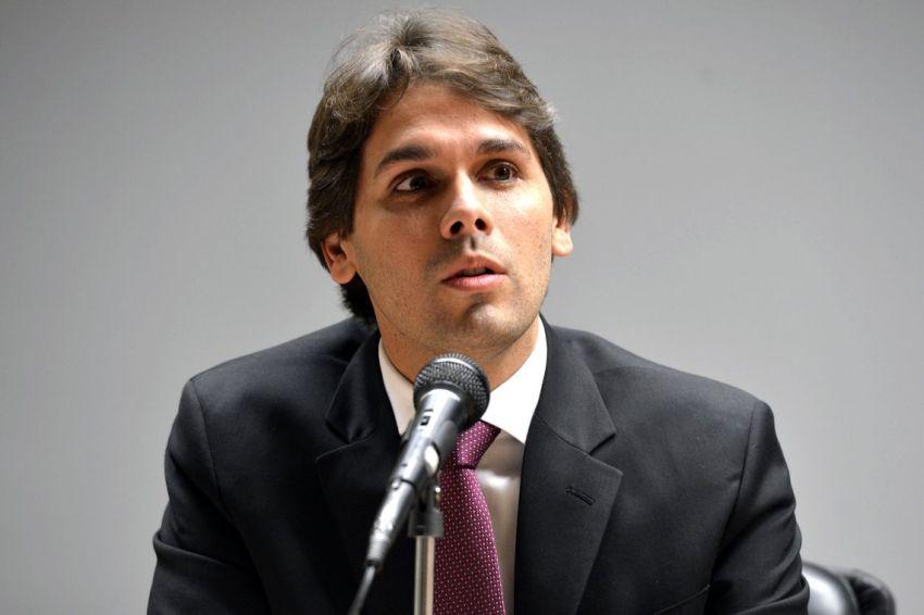 Presidente do INSS pede demissão; secretário de Previdência assume