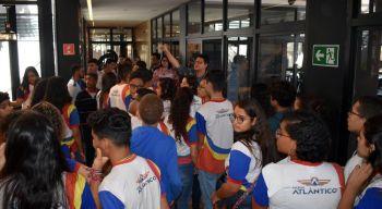 Alunos do ensino médio visitam o Innovation Center
