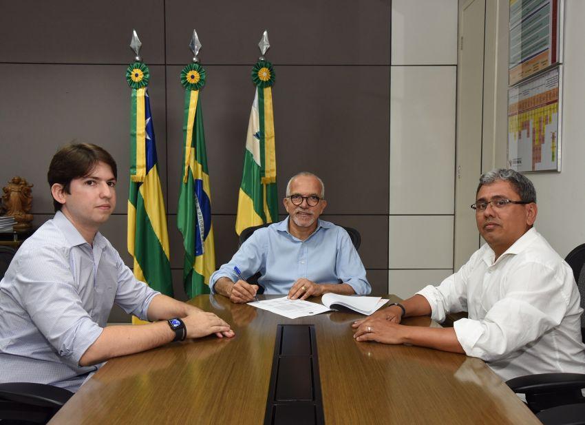 Prefeito Edvaldo sanciona lei para novo prazo de isenção do IPTU e perdão de dívidas