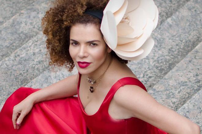 Vanessa da Mata lança novo disco em Aracaju