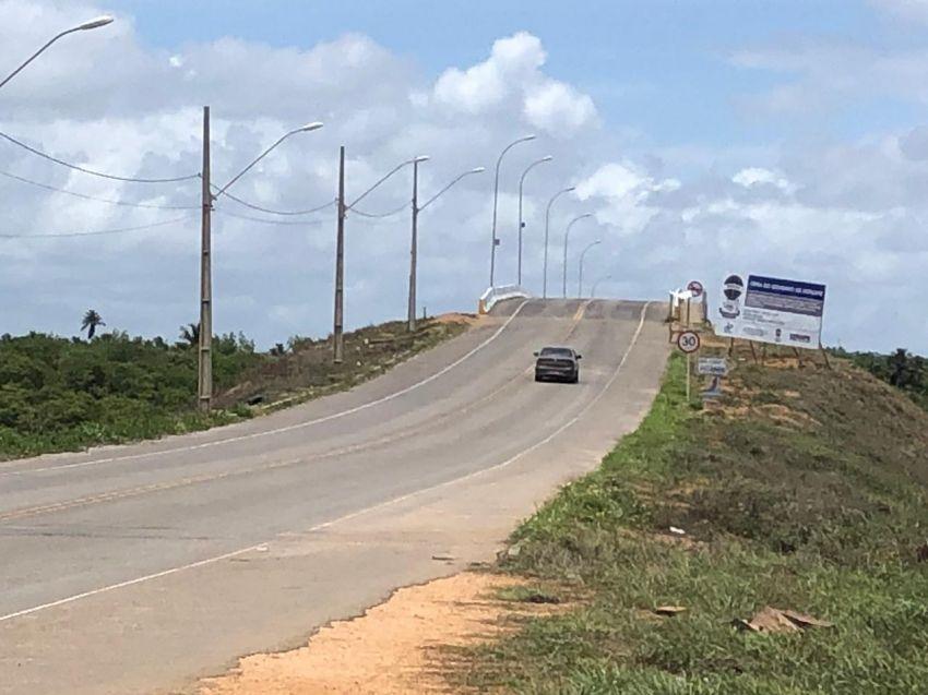 Ponte sobre o Rio Japaratuba, em Pirambu, é liberada nas duas vias