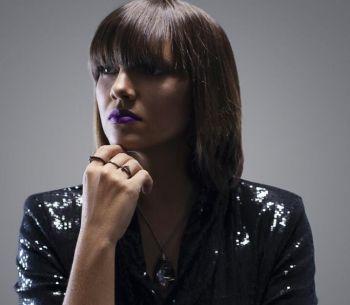 DJ Anny B comemora 10 anos de sucesso com apresentações especiais