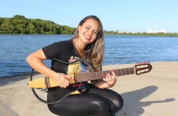 Ronise Ramos interpreta 'Mulheres no Samba'