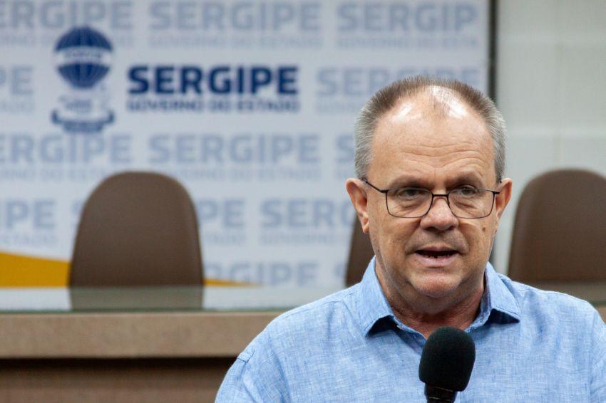 Belivaldo sanciona lei que proíbe empresas a cobrarem multa por fidelidade de clientes desempregados / demitidos
