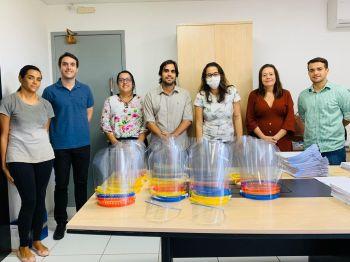 No combate à Covid-19, voluntários doam protetores faciais à Prefeitura de Aracaju