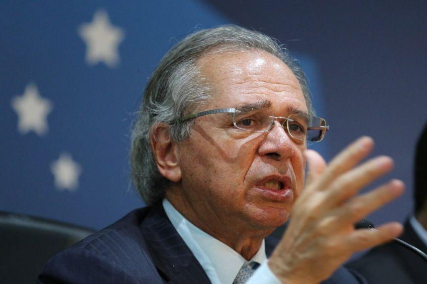 Guedes diz que negocia testes em massa para criar 'passaporte da imunidade'