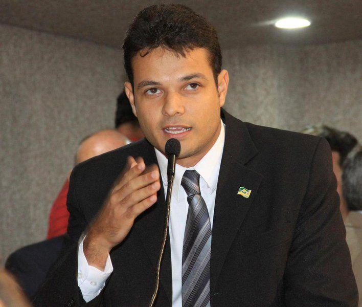 Anderson de Tuca deixa PRTB e confirma ida ao PDT