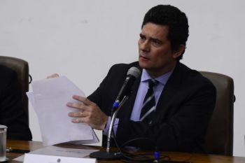 Moro reforça acusação contra Bolsonaro, apresenta provas e deixa a PF após 11 horas