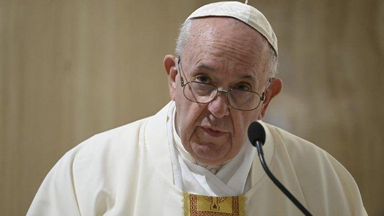 Papa afirma que coronavírus não é desculpa para explorar trabalhadores