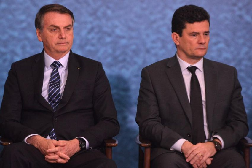 Senador Randolfe pede que Celso de Mello suspenda sigilo de vídeo de reunião citada por Moro