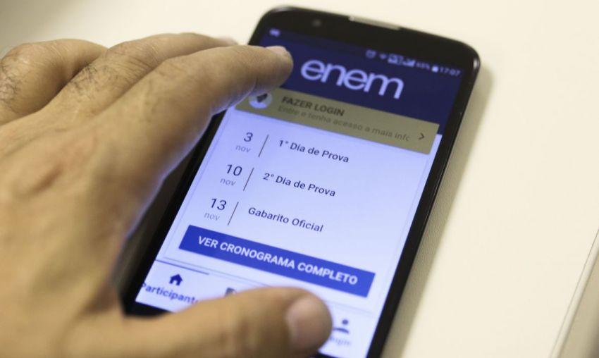 Weintraub anuncia prorrogação do prazo de inscrições para o Enem