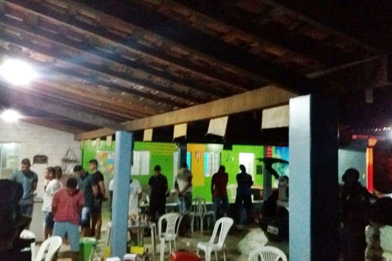 Polícia Militar interrompe festa com cerca de 40 pessoas na Barra dos Coqueiros