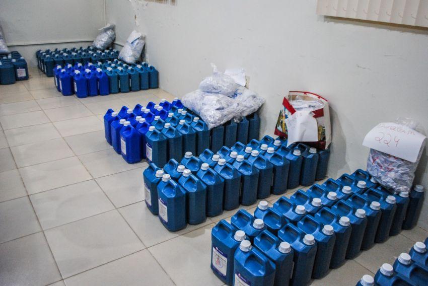 Governo entrega suprimento de álcool para municípios com unidades de acolhimento