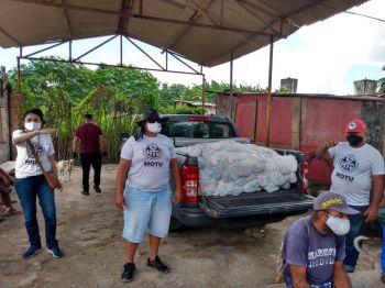 Polícia Militar e Instituto Banese distribuem cestas básicas e máscaras de proteção para comunidades carentes