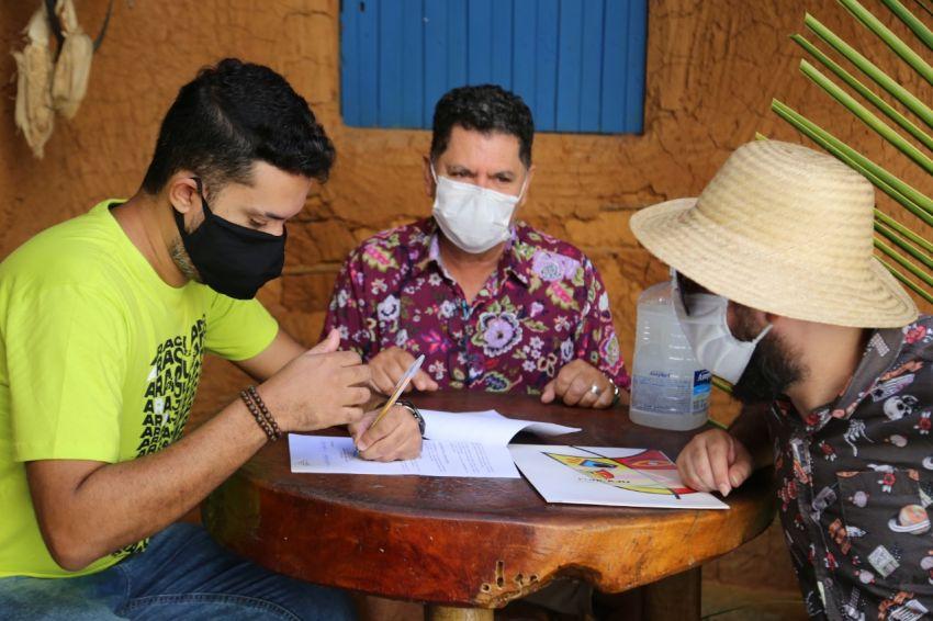 Prefeitura realiza pagamento de artistas do Forró Caju em Casa