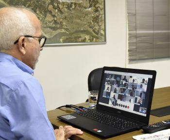 Prefeito reúne secretários para discutir proibições do período eleitoral