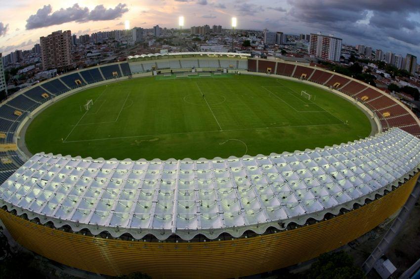 Arena Batistão: Estádio completa 51 anos de história e glória do futebol sergipano