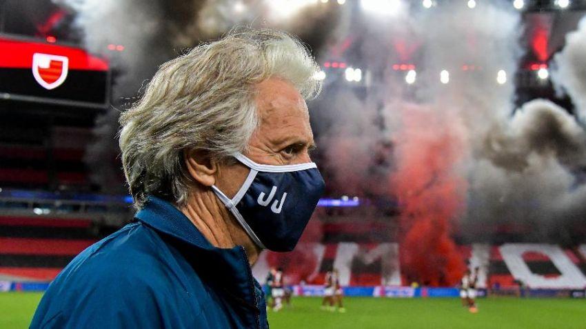 Jesus informa a Flamengo que aceitou proposta do Benfica e sela saída do clube