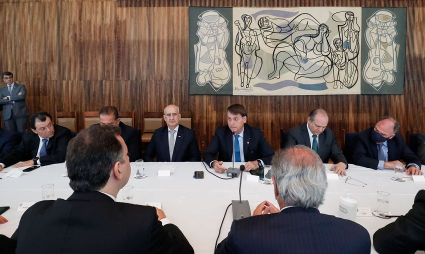 Governo anuncia Renda Cidadã, com recursos de precatórios e do Fundeb