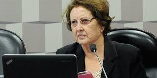Senadora lamenta alto índice de desemprego e defende instituição de microcrédito como política de desenvolvimento