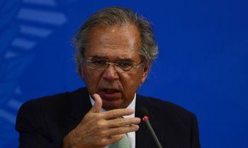 Apoiador festeja Guedes, e Bolsonaro zomba: 'Achei alguém para te elogiar'