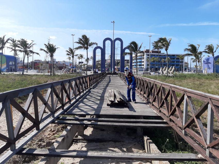 Prefeitura dá continuidade as ações de revitalização da Orla da Atalaia